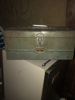 Old Dunlap tool box for Sale in Clarksville, IN