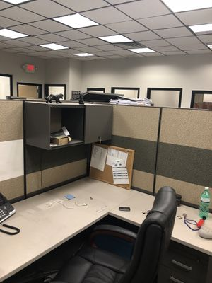 Office furniture for Sale in Woodbridge Township, NJ