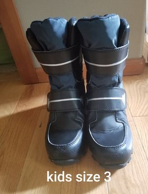 Target Kids Size 3 snow boots for Sale in Renton, WA