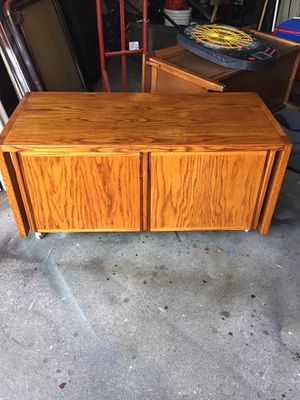 Oak coffee table with storage for Sale in Auburn, WA