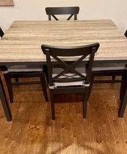 Seneca Dining Table & Padded Chair (x4) Complete Dining Set for Sale in Santa Monica,  CA