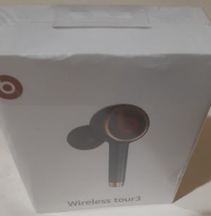 Beats by Dre. Wireless Tour3 With Charging Case for Sale in Columbus, OH