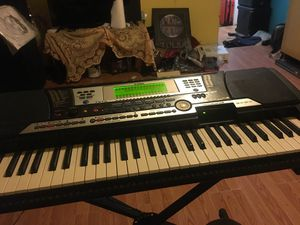 Yamaha psr 540 con ritmos integrados for Sale in Van, TX