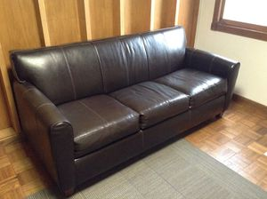 "Klaussner leather couch/pull-out bed. 80"". Heavy! for Sale in Alexandria, VA"