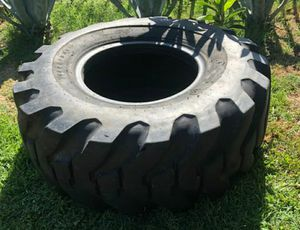tire for Sale in Los Angeles, CA