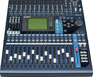Digital audio mixer Yamaha 01v96 with road case for Sale in Vista, CA