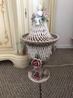 Gorgeous Italian Lamp for Sale in Los Angeles, CA