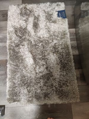 Beautiful shaggy rug for Sale in St. Louis, MO