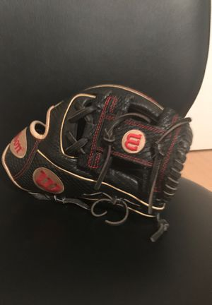Wilson a2000 glove of the month for Sale in Los Angeles, CA