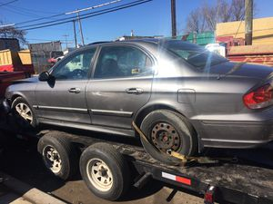 Hyundai Sonata 2002 Only parts for Sale in Philadelphia, PA