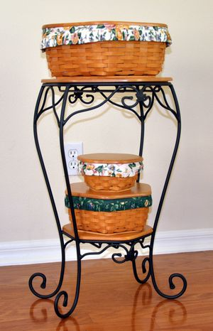 Longaberger Generations stand with three baskets for Sale in Valrico, FL