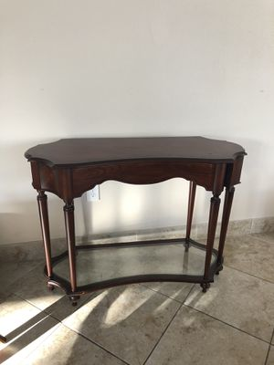 Entry table for Sale in Apopka, FL