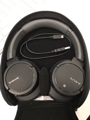 Sony noise cancelling headphones - wireless Bluetooth for Sale in San Jose, CA