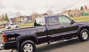 2003 Chevrolet Chevy Silverado 2500HD High Country 4x4 for Sale in Lexington, KY