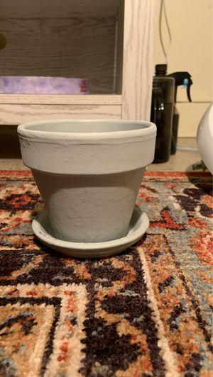 Gray plant pot / planter for Sale in Miami, FL