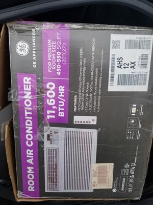 BRAND NEW 11,600 BTU GE WINDOW AC UNIT for Sale in Clinton Township, MI
