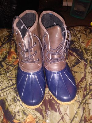 Womens duck waterproof thermolite rain boots for Sale in Bethany, OK