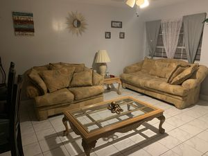 1 Couch 1 Love Seat 1 Table 1 coffee table. for Sale in Pembroke Pines, FL