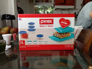 pyrex bake n' store 14 pc for Sale in Bell Gardens, CA