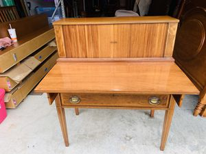 Beautiful Vintage Maddox Victorian Inlaid Solid Mahogany Secretary Desk With Work Top Surface for Sale in Mukilteo, WA