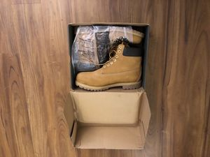 Men's size 13 wide Brand New Timberland Boots for Sale in New York, NY