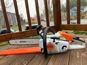 """STIHL MS 201 PROFESIONAL CHAINSAW 14"""" WITH BAR COVER, GOOD LIKE NEW for Sale in Lake Stevens, WA"""