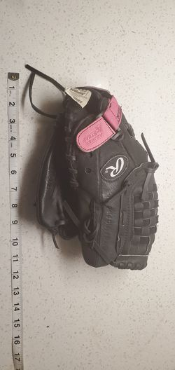 Rawlings pp115pb baseball glove for girls. for Sale in Houston,  TX