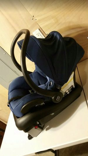 MAXI-COSI Baby car seat for Sale in Happy Valley, OR