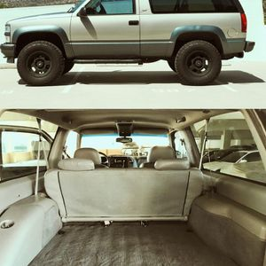 1999 Chevrolet Tahoe 2 Doors for Sale in Houston, TX