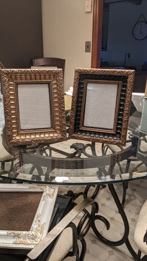 Beautiful Set of 2 Frames - one gold accents and one black & Gold - Awesome for photo gifts! for Sale in Conyers, GA