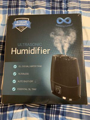 Cool mist humidifier for Sale in Raleigh, NC