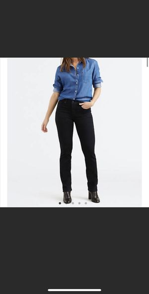NWT Levi's 314 Shaping Straight Black Jeans 31x32 for Sale in Nashville, TN