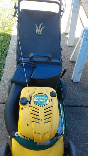 Yard-Man 6.5 horsepower speed 21 inch cut larn mower for Sale in Richmond Heights, OH