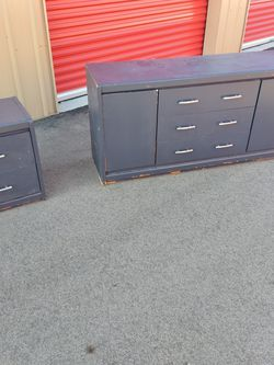 DRESSER AND NIGHT STAND for Sale in Franklin,  IN