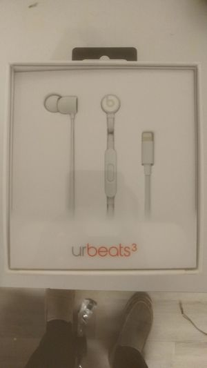 urBeats3 In-Ear Headphones W/Lightning Connector (Matte Silver) for Sale in Baltimore, MD