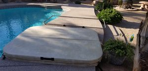 Hot Tub Spa Jacuzzi cover and lift for Sale in Gilbert, AZ