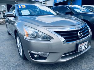 2013 Nissan Altima W/73k miles for Sale in Whittier, CA