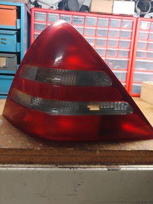Mercedes tail light 186131L for Sale in Tamarac, FL