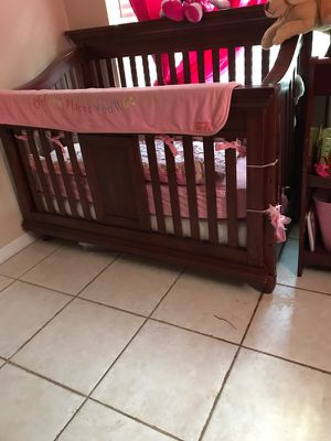Crib with changing table for Sale in Tampa, FL