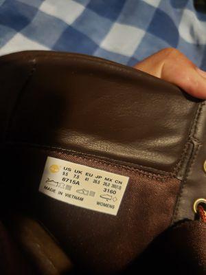 Barley worn high hill timberland boots 9.5 women for Sale in Jonesboro, GA