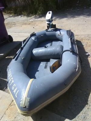 9 ft. Avon Redcrest inflatable with 2 HP Evinrude outboard motor for Sale in Seal Beach, CA