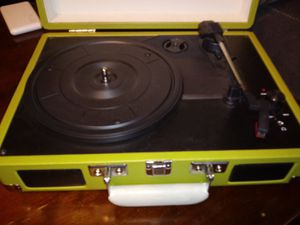 Portable record player with built inn SPEAKERS for Sale in Nashville, TN