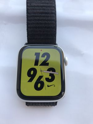Apple Watch Series 4 Nike+ ( 44mm ) GPS+Cellular Space Gray Aluminum Case for Sale in Hacienda Heights, CA