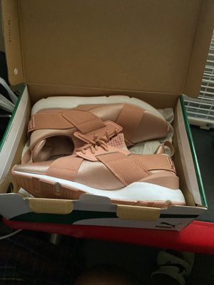 Pink pumas for Sale in Nashville, TN