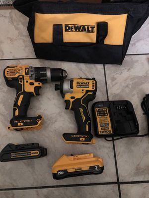 Brand new 20 V deWalt XR hammer drill set with 1-2-0 and 1-3.0 Ah battery $240 for Sale in Fort Lauderdale, FL