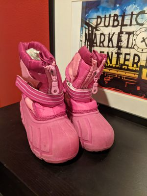 Kid pink snow boots sz 8 for Sale in Milwaukie, OR