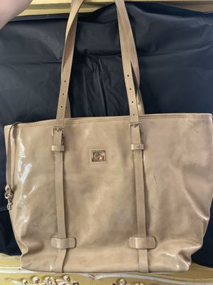 Dooney & Bourke tote tan bag for Sale in Alpharetta, GA