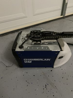Chamberlain 1/2 HP Chain Drive Garage Door Opener for Sale in North Las Vegas, NV