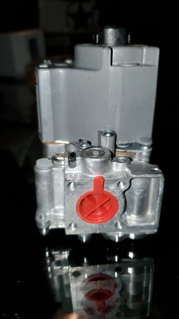 Honeywell VR8204A2803 Gas Valve For Blodgett Oven