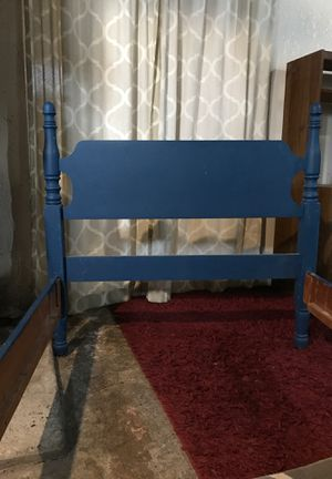 Free Twin bed frame for Sale in Yakima, WA